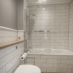Room 101 Classic Double Bathroom